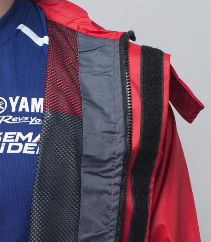 Yamaha Raincoat Red