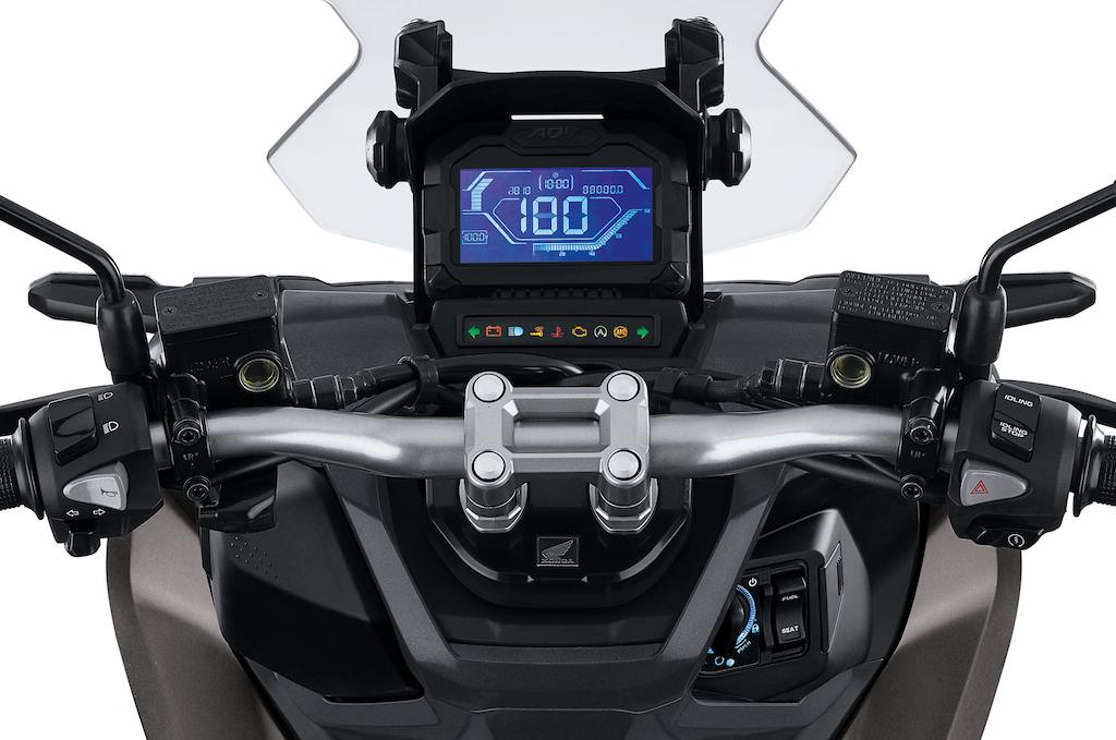 Honda ADV150 8